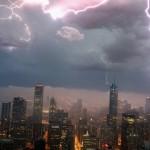 Poze extreme: 20 de foto făcute în situaţii meteorologice extreme