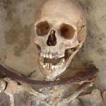 """Oare au existat  vampiri ? Adevărul despre mormintele  """"Vampirilor"""" din Polonia"""