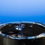 Oamenii de ştiinţă au creat primul metal hidrofug (care respinge apa)