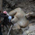 O statuie imensă a unui faraon antic egiptean a fost găsită într-un cartier sărac