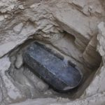 Un sarcofag masiv a fost dezgropat în Egipt şi nimeni nu știe cui aparține