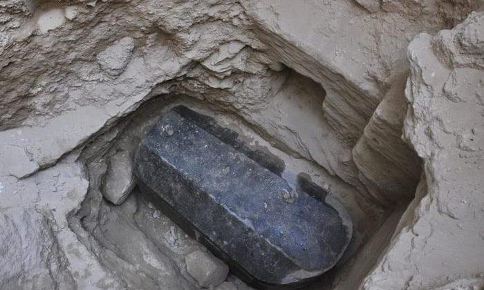 sarcofag masiv a fost dezgropat în Egipt